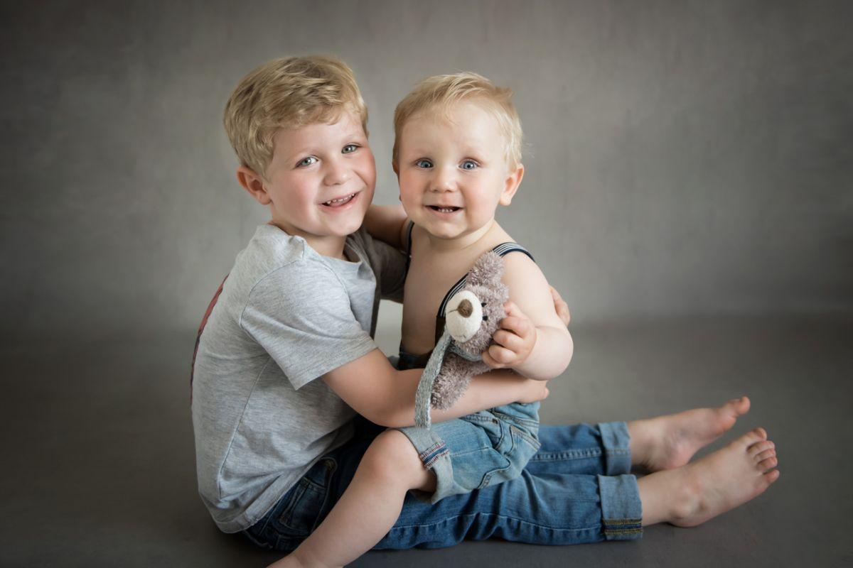 babyfotografie-wien-geschwister